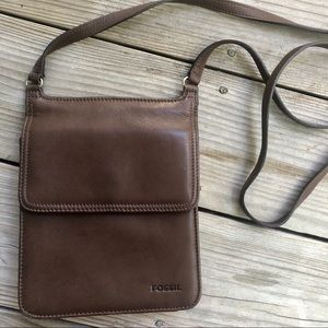 Fossil Leather Crossbody • Like New! ✨